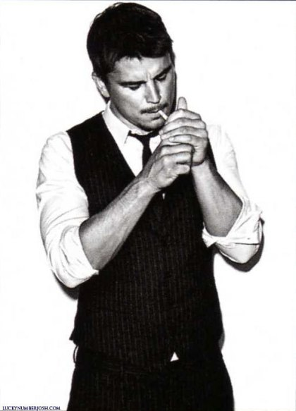 GQ-style-germany-josh-hartnett-9467881-516-717