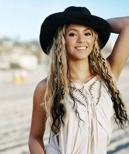 Shakira+65