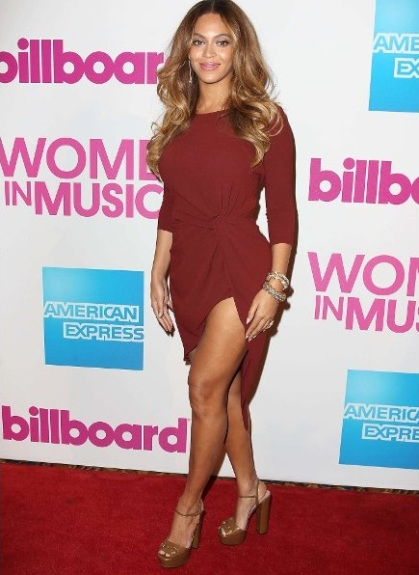 gallery_big_beyonce_wearing_marsala_color_of_the_year_2015