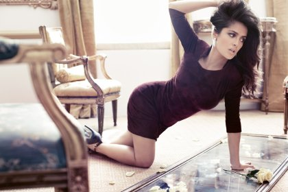 salma-hayek-vogue-germany-september-2012-photos-010
