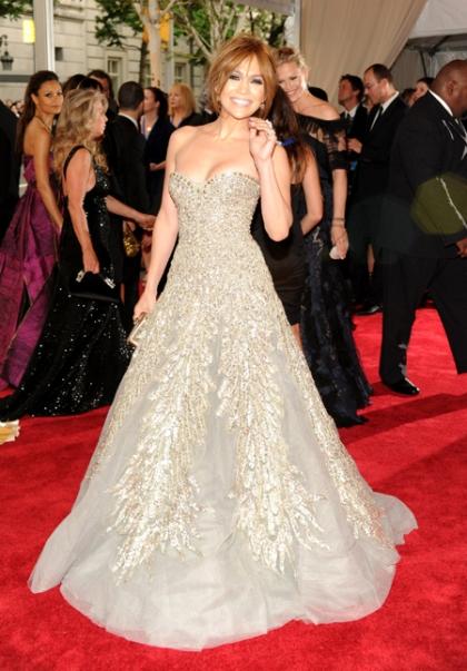 Jennifer-Lopez-Metropolitan-Museum-of-Art-Costume-Institute-Gala