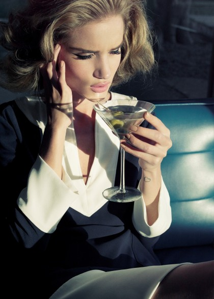 Rosie-Huntington-Whiteley-–-Harper's-Bazaar-UK-Magazine-Photoshoot-Photo-12