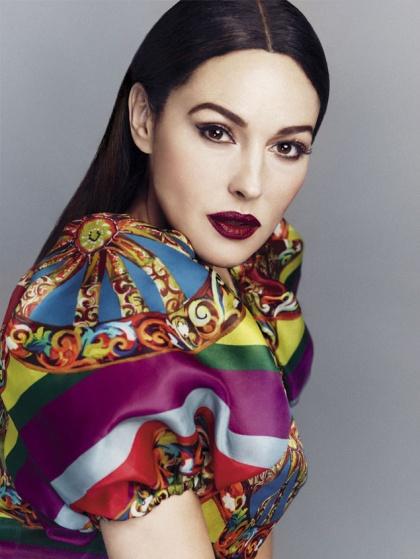 Monica-Bellucci-Dolce-Gabbana-S-Moda-May-2013-4