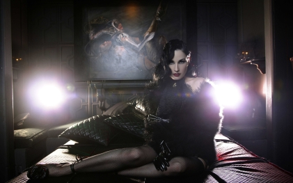 Dita Von Teese Dita Von Teese, Self Assignment, November 6, 2003 Dita Von Teese by Lionel Deluy , November 6, 2003 Photo by Lionel Deluy/ContourPhotos.com To license this image (5396435), contact ContourPhotos: +1 + 212-658-9282 (tel) +1 212-658-9282 (fax) sales@contourphotos.com (e-mail) www.contourphotos.com (web site)
