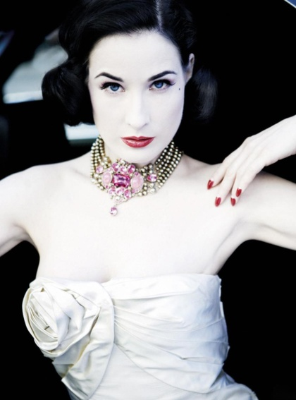 Dita_von_Teese_-_Amedeo_Turello_Photoshoot_wallpapers_3000_x_2000_pictures-15.jpg_108