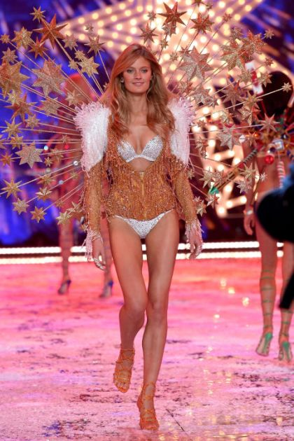 hbz-vs-runway-2015-gettyimages-496564456