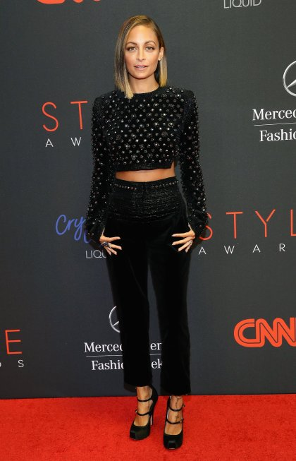 Nicole-Richie-posed-photos-red-carpet-Style-Awards