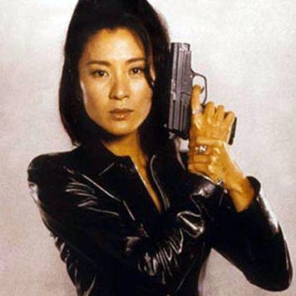 wai-lin-michelle-yeoh-jutro-nie-umiera-nigdy-1997-fot-pinterest-com