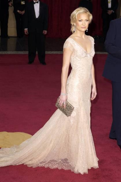 hbz-100-best-dresses-2003-Kate-Hudson-3-lg