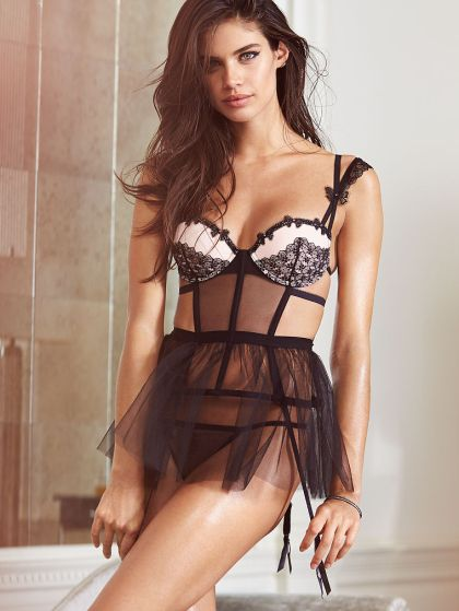 Sara-Sampaio -Victorias-Secret-2015--05