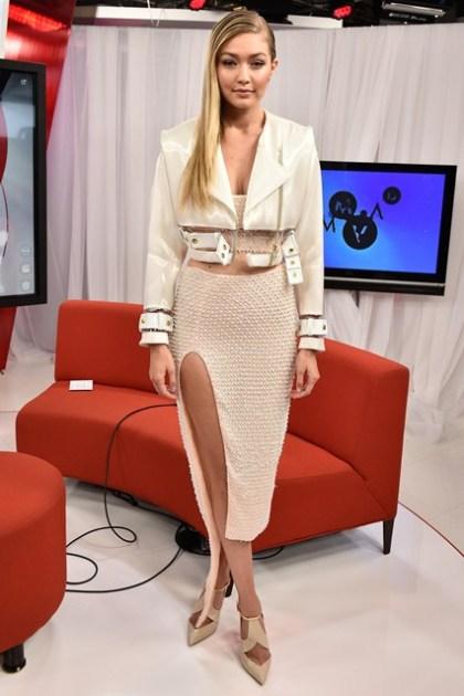 Gigi-Hadid-Vogue-22Jun15-Getty_b_426x639
