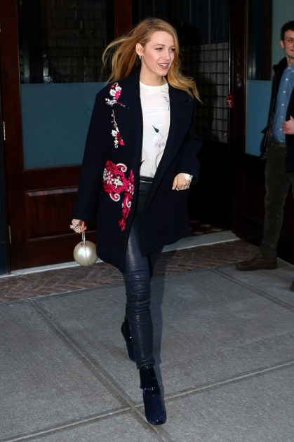 Blake-Lively-Street-Style-New-York-2-Vogue-19Feb16-Rex_b_592x888