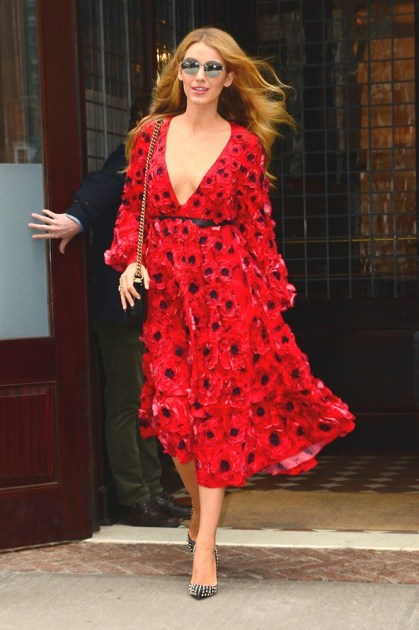 Blake-Lively-Street-Style-New-York-Vogue-18Feb16-Getty_b_592x888