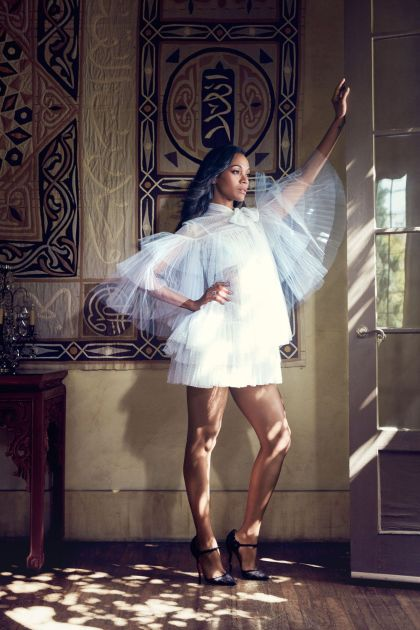 zoe-saldana-photoshoot-for-latina-magazine-december-2015_1