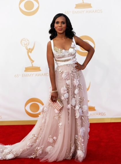 "Actress Kerry Washington from ABC's series ""Scandal"" arrives at the 65th Primetime Emmy Awards in Los Angeles September 22, 2013. REUTERS/Mario Anzuoni (UNITED STATES Tags: ENTERTAINMENT) (EMMYS-ARRIVALS) - RTX13VVZ"