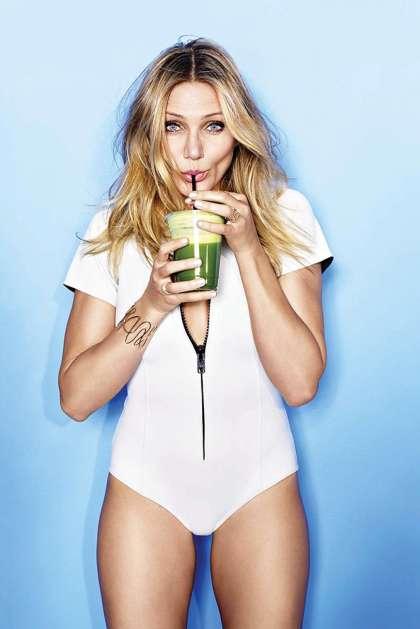 Cameron-Diaz---Cosmopolitan-Magazine-(January-2015)-10