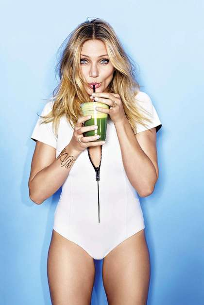 Cameron-Diaz---Cosmopolitan-Magazine-(January-2015)-10