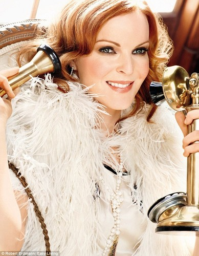 photoshoot-marcia-cross-28718826-389-500
