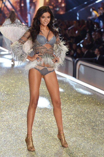 2016 Victoria's Secret Fashion Show: All the Looks